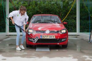 Auto wassen bij Happy Duck Duivendrecht