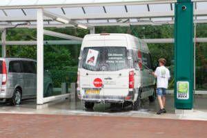 Bedrijfswagens wassen bij Happy Duck Duivendrecht